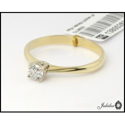 Złoty pierścionek z brylantem (1380026312)