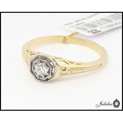 Złoty pierścionek z brylantem (1380026311)