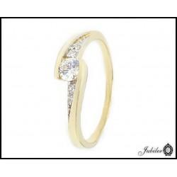 Złoty pierścionek zdobiony cyrkoniami (32399-32404)