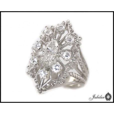 Piękny pierścionek z brylantami - białe złoto