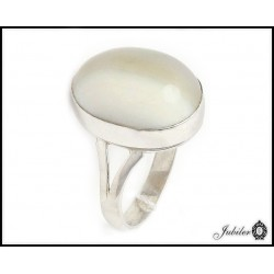 Silver ring with striped flint (27784)