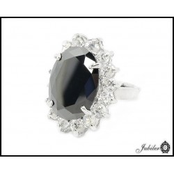 Silver ring decorated with cubic zirconia (27770)