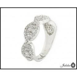 Srebrny pierścionek zdobiony cyrkoniami (29339)