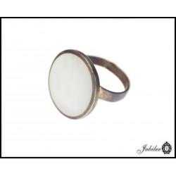 Srebrny pierścionek z masą perłową 925 8425383867