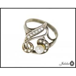 Srebrny pierścionek z perłą 925 8432884511