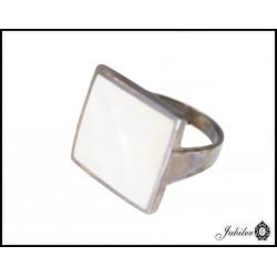 Srebrny pierścionek z masą perłową 925 8432937625