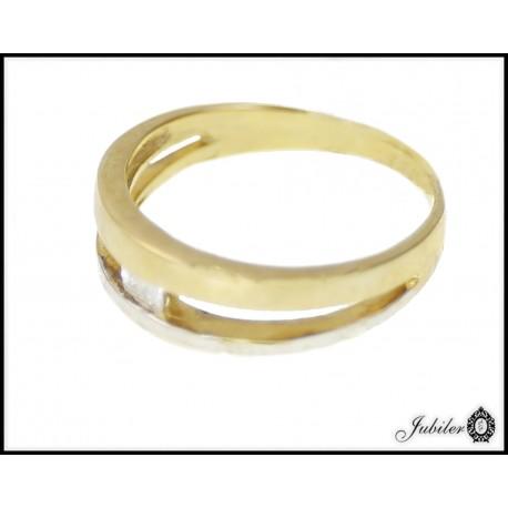 Piękny złoty pierścionek zdobiony cyrkonią p. 333 8563051282
