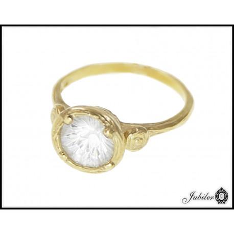Piękny złoty pierścionek zdobiony cyrkonią p 333 8563236524