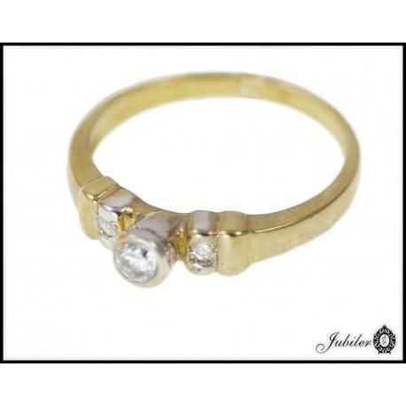 Piękny złoty pierścionek zdobiony cyrkoniami p 333 8563315367