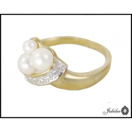 Piękny złoty pierścionek zdobiony perłami p 333 8684786510
