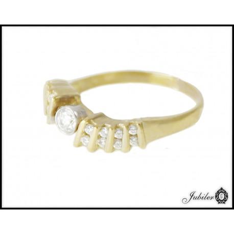 Piękny złoty pierścionek zdobiony cyrkoniami p 333 8706890418