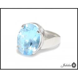 Piękny srebrny pierścionek z naturalnym topazem 8881516340
