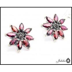 Srebrne kolczyki kwiaty zdobione granatami (15441)